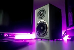 How to enjoy loud sound without using speakers